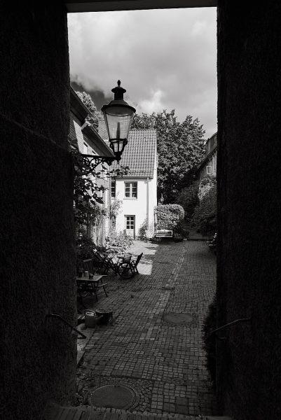 Qualmanns Gang, Innenhof, Engelsgrube 32