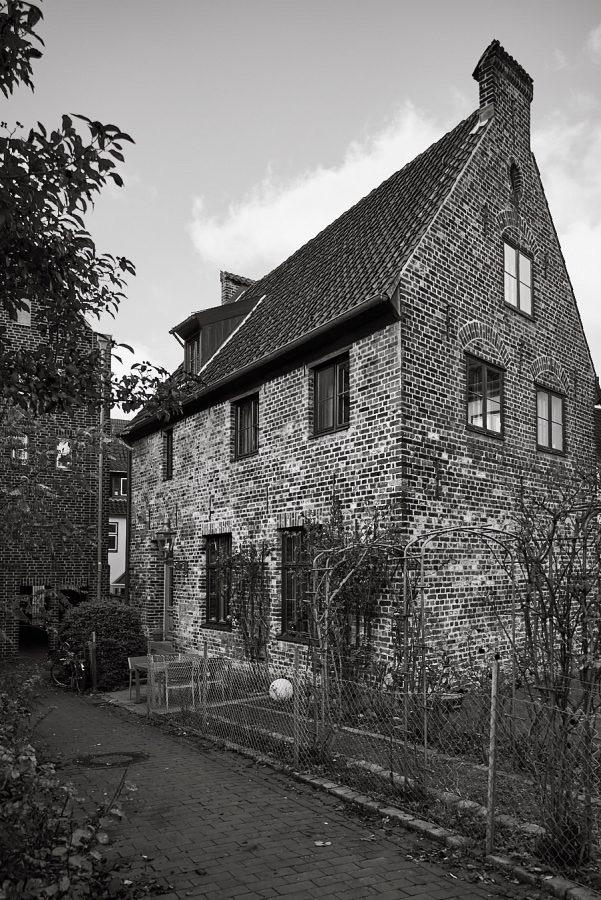 Pockenhofsgang, Engelswisch 13a