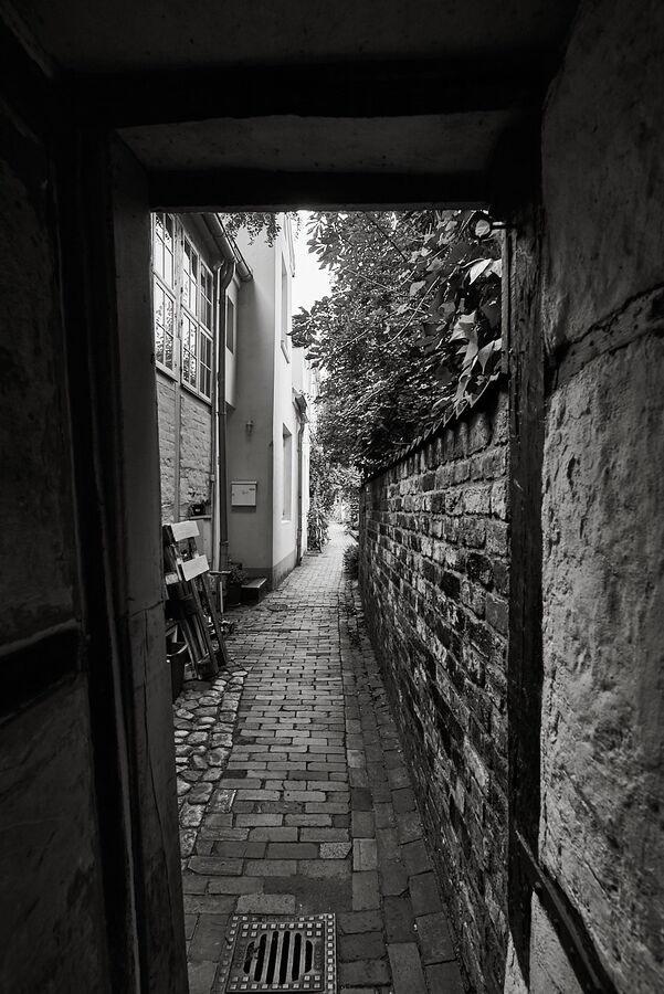 Lödings Hof, Eingang, Glockengießerstraße 77